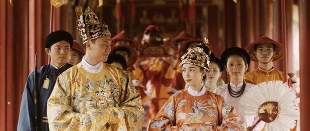 Câu chuyện thật phía sau lời hứa của Vua Bảo Đại và lá thư đánh ghen Nam Phương Hoàng hậu gửi cho Lý Lệ Hà được tái hiện trong MV mới của Hoà Minzy-7