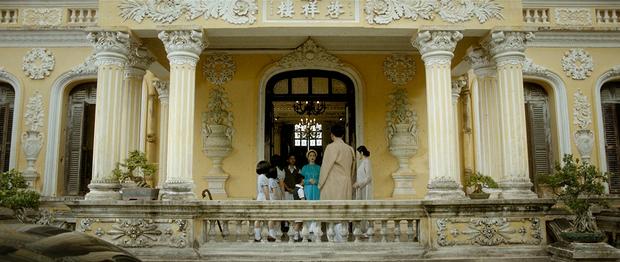 Câu chuyện thật phía sau lời hứa của Vua Bảo Đại và lá thư đánh ghen Nam Phương Hoàng hậu gửi cho Lý Lệ Hà được tái hiện trong MV mới của Hoà Minzy-9