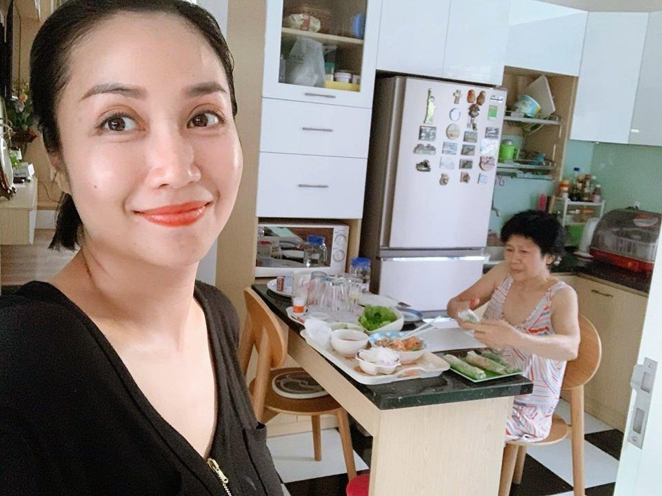 Ốc Thanh Vân cho biết mẹ ruột nấu kiểu không giống ai và món kinh điển của bà-1