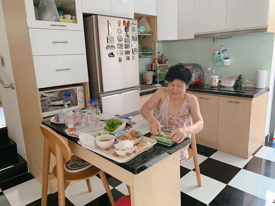 Ốc Thanh Vân cho biết mẹ ruột nấu kiểu không giống ai và món kinh điển của bà-2