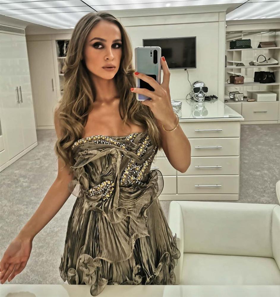 3 năm sau khi gây chú ý vì chi gần 230 tỷ đồng mua váy cưới, tiểu thư nước Nga có cuộc sống với lối rẽ không ai nghĩ đến-11