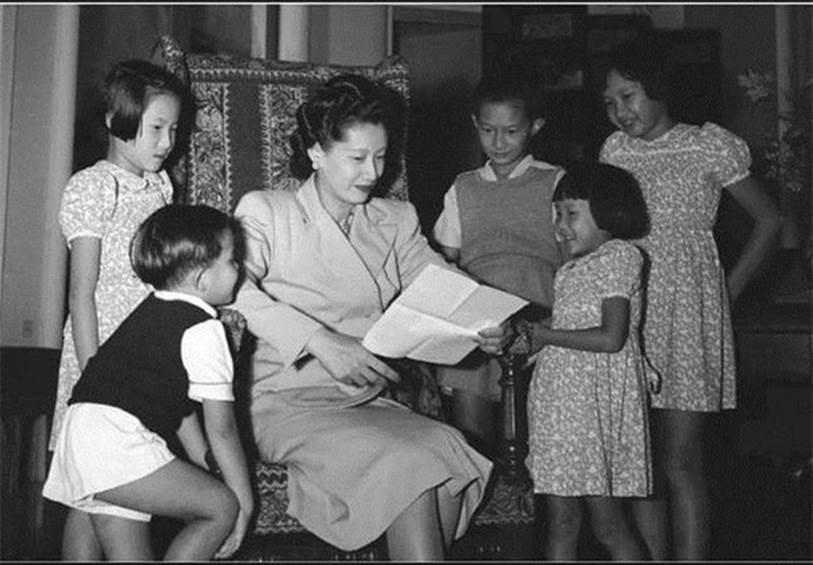"""Bảo Đại - Nam Phương Hoàng hậu: Tình yêu sét đánh"""" tới cuộc hôn nhân có lời thề đặc biệt và số phận buồn của 5 người con-8"""