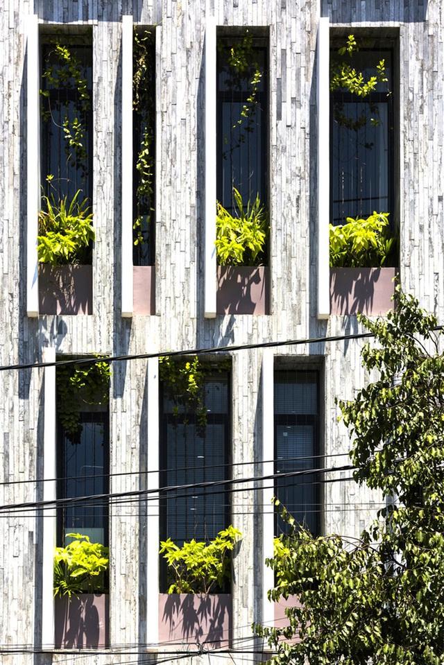 Ngỡ ngàng biệt thự ở Đà Nẵng xây cả công viên tuyệt đẹp trên sân thượng-3