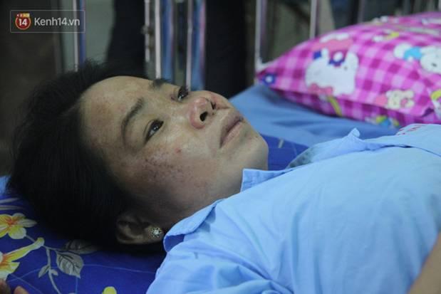Quặn lòng cảnh vợ nhận thi thể chồng về quê chôn cất sau vụ sập tường ở Đồng Nai: Tiếng nấc nghẹn tìm chồng trong vô vọng-12