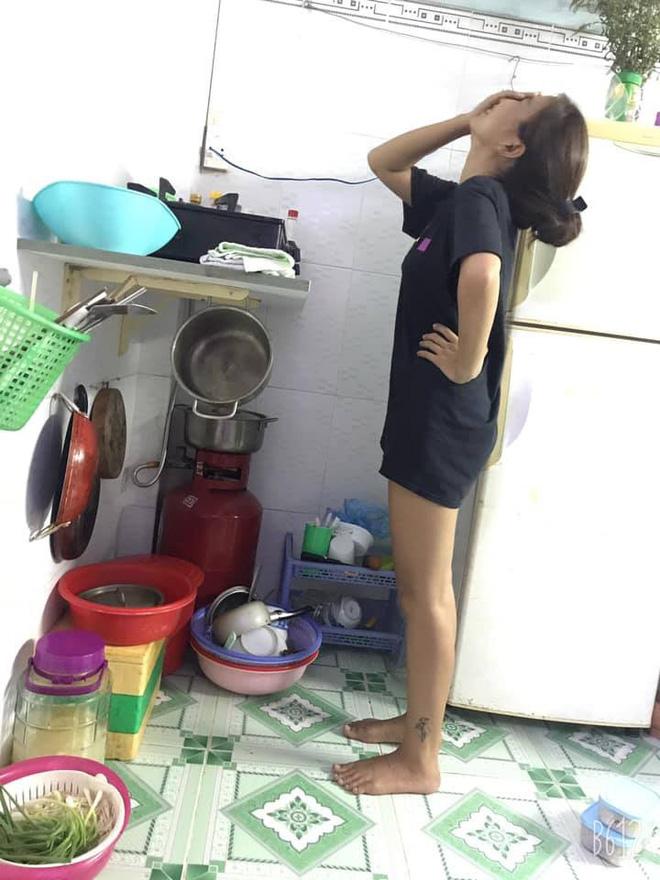 Chồng hí hửng khoe khu bếp mới cải tạo, vợ ngửa cổ, cạn lời vì cái giá đỡ bếp ga-1