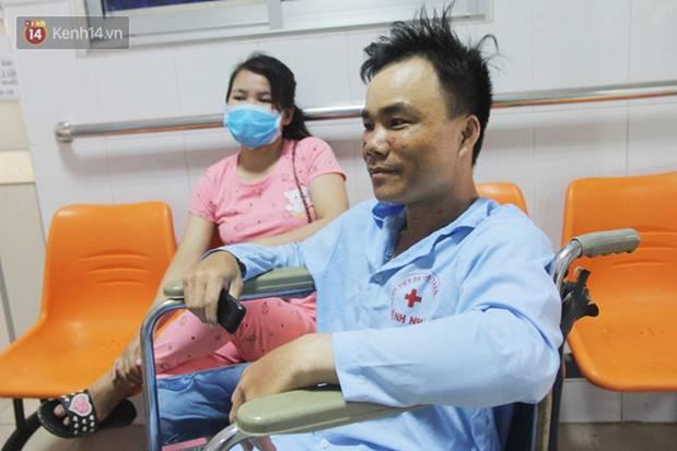 Bố mẹ bị vùi trong đống đổ nát vụ sập công trình kinh hoàng, 2 đứa trẻ bơ vơ trong bệnh viện: Tụi nhỏ không chịu ăn, cứ lo mẹ sẽ chết-11