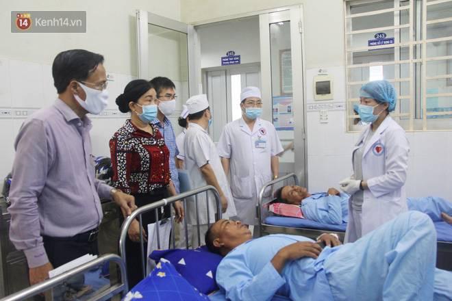 Bố mẹ bị vùi trong đống đổ nát vụ sập công trình kinh hoàng, 2 đứa trẻ bơ vơ trong bệnh viện: Tụi nhỏ không chịu ăn, cứ lo mẹ sẽ chết-17