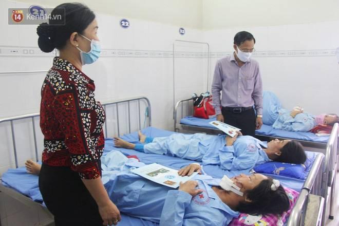 Bố mẹ bị vùi trong đống đổ nát vụ sập công trình kinh hoàng, 2 đứa trẻ bơ vơ trong bệnh viện: Tụi nhỏ không chịu ăn, cứ lo mẹ sẽ chết-18