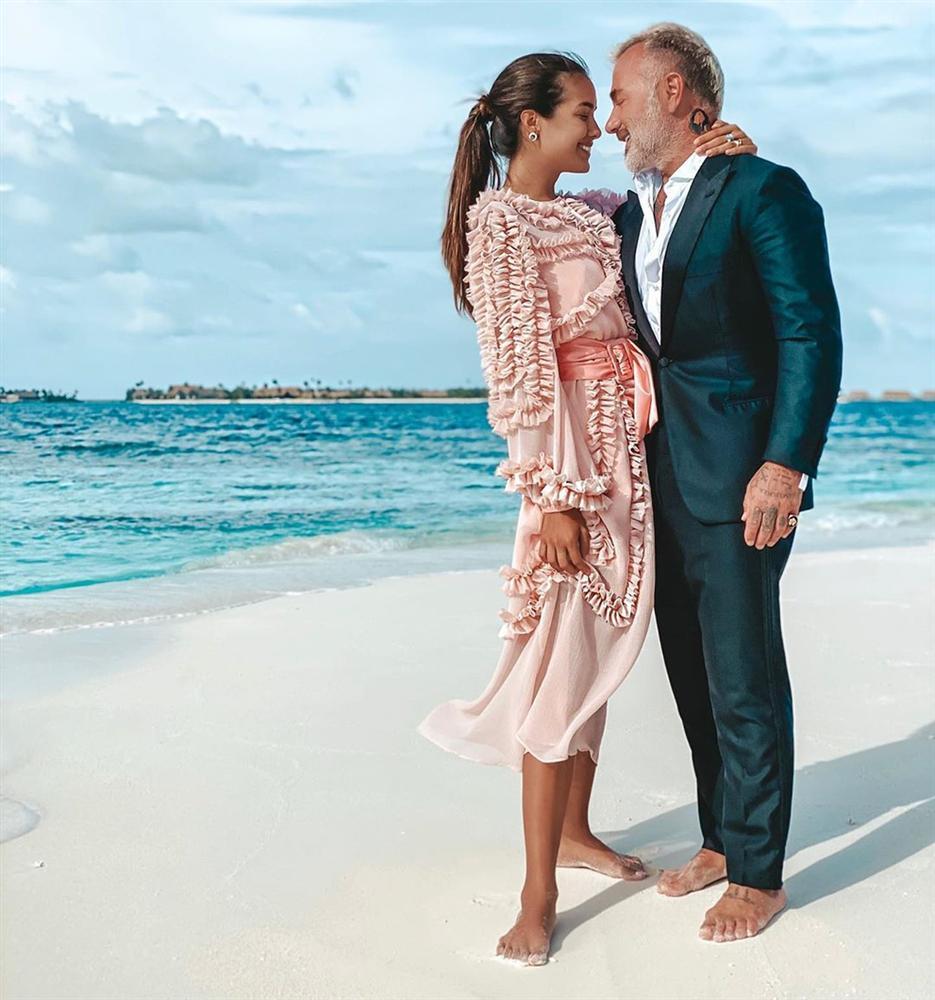 Chuyện yêu đương của triệu phú 52 tuổi với dàn người mẫu, hoa hậu-19