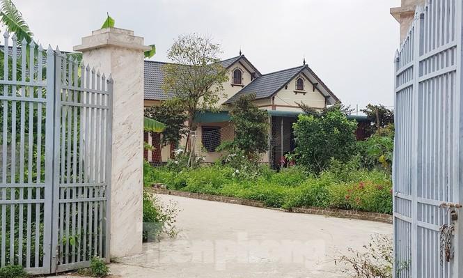 Cận cảnh biệt thự, nhà vườn trái phép mọc trên đồi ở Ba Vì-4
