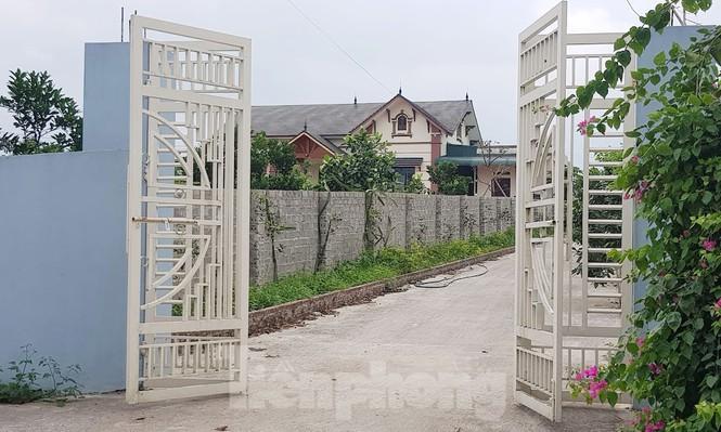 Cận cảnh biệt thự, nhà vườn trái phép mọc trên đồi ở Ba Vì-13