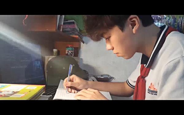 HS trường Hồng Hà siêu đặc biệt trong clip 'Cuộc sống thời Covid-19'-2