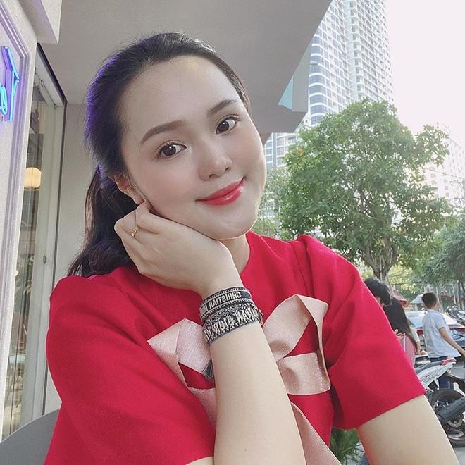 Nửa đêm Quỳnh Anh (vợ Duy Mạnh) than thở chuyện tay chân bị phù cả ra, nhẫn cưới đeo chật ních: Nỗi niềm chung của bà bầu-1