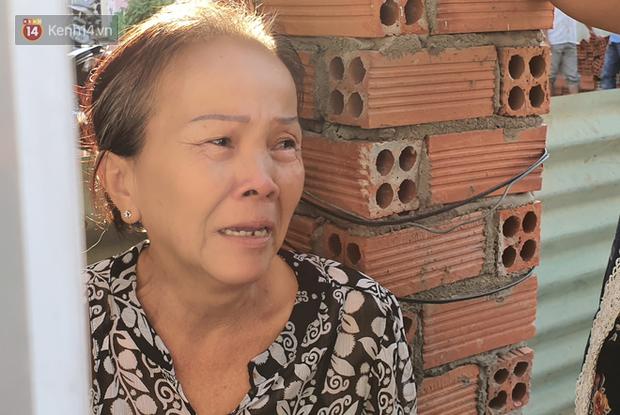 Đám tang đẫm nước mắt của nạn nhân lớn tuổi nhất vụ sập tường ở Đồng Nai: Mẹ ơi, con tìm thấy bố rồi, bố ở trong nhà xác bệnh viện-6