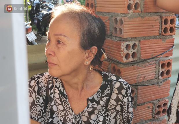 Đám tang đẫm nước mắt của nạn nhân lớn tuổi nhất vụ sập tường ở Đồng Nai: Mẹ ơi, con tìm thấy bố rồi, bố ở trong nhà xác bệnh viện-10
