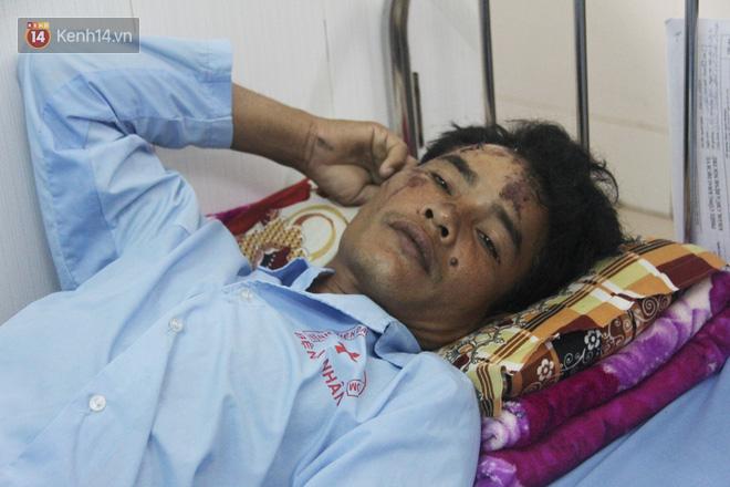 Đám tang đẫm nước mắt của nạn nhân lớn tuổi nhất vụ sập tường ở Đồng Nai: Mẹ ơi, con tìm thấy bố rồi, bố ở trong nhà xác bệnh viện-15