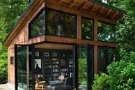 Ngôi nhà bốn bề là vườn cây xanh mát lý tưởng dành cho những ai yêu thích đọc sách