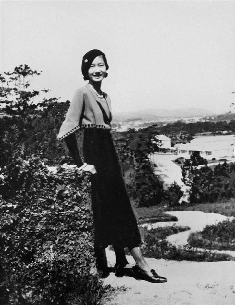 Nam Phương Hoàng Hậu: Người đàn bà phải lòng Dior nhưng phân nửa đời vẫn mực thước với Áo dài-2