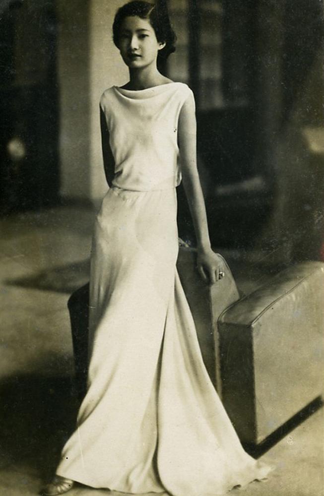 Nam Phương Hoàng Hậu: Người đàn bà phải lòng Dior nhưng phân nửa đời vẫn mực thước với Áo dài-4