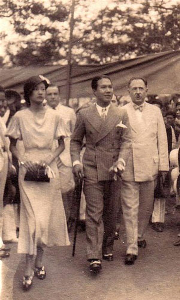 Nam Phương Hoàng Hậu: Người đàn bà phải lòng Dior nhưng phân nửa đời vẫn mực thước với Áo dài-14