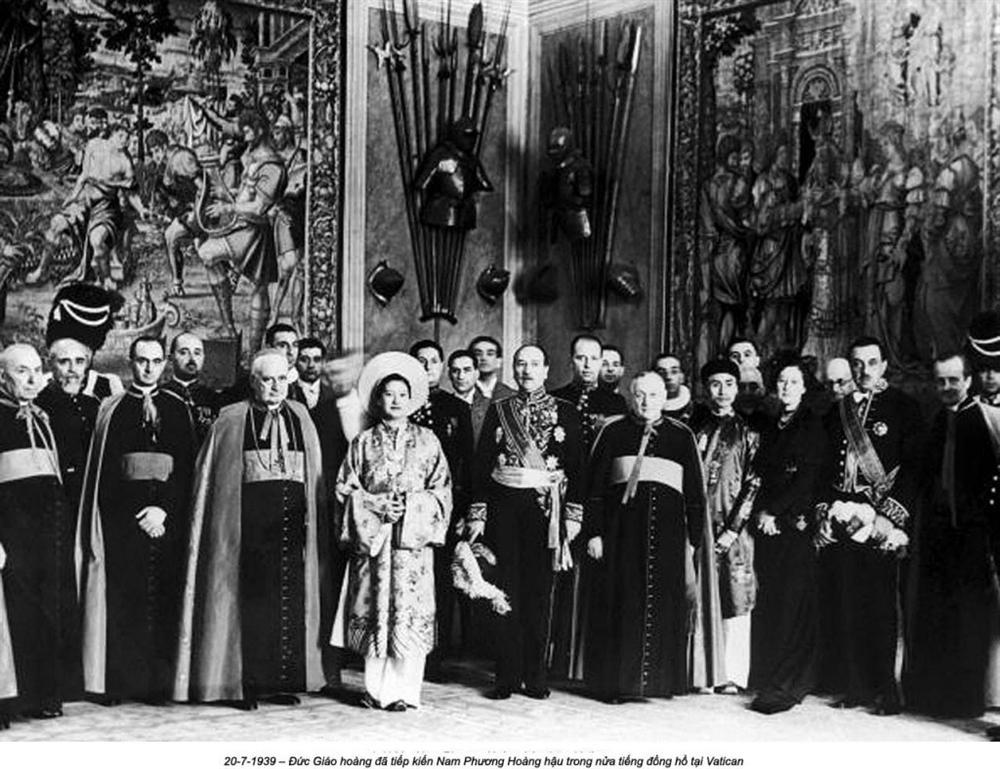 Nam Phương Hoàng Hậu: Người đàn bà phải lòng Dior nhưng phân nửa đời vẫn mực thước với Áo dài-16