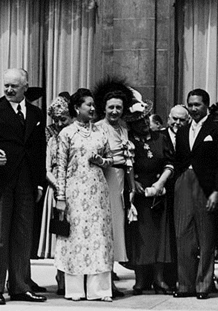 Nam Phương Hoàng Hậu: Người đàn bà phải lòng Dior nhưng phân nửa đời vẫn mực thước với Áo dài-18