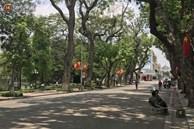 Hà Nội: Cụ bà bán trà đá bị thiếu niên đi xe đạp tông trúng ở phố đi bộ đã tử vong