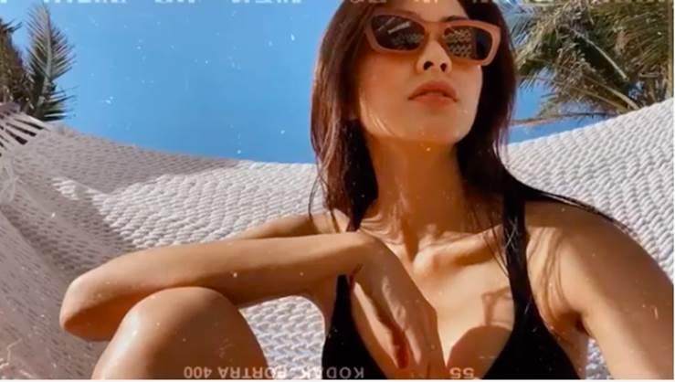 Tăng Thanh Hà chơi lớn khoe ảnh bikini toàn thân, vòng 1 hạn chế năm xưa giờ đã nở nang gợi cảm đến thế này-2