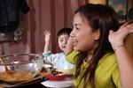 Mừng 3 triệu sub, Quỳnh Trần JP chơi lớn với mâm hải sản cua hoàng đế nặng hơn 6kg và hàng loạt món siêu đắt-6