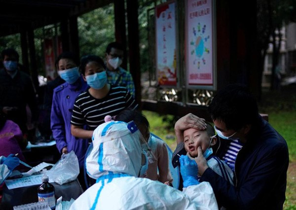 Covid-19: Thiếu miễn dịch, Trung Quốc có nguy cơ bùng phát dịch lần 2-2