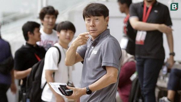 Đối thủ khó nhằn nhất của ĐT Việt Nam tại vòng loại World Cup 2022 mất phương hướng khi không có HLV trưởng-2