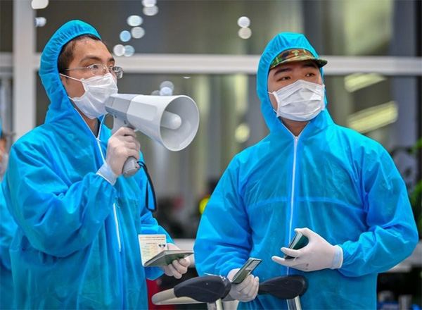 Thêm 2 bệnh nhân mắc Covid-19 trở về từ Nga-1