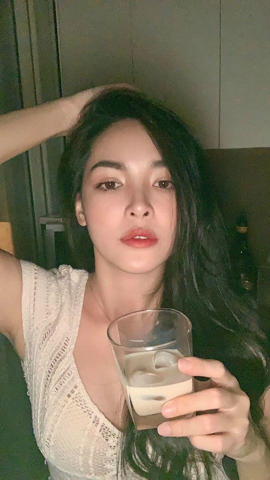 Nữ chính xinh như mộng của Người Ấy Là Ai lần đầu kể chuyện nói dối bố để sang Hàn Quốc phẫu thuật thẩm mỹ, nhan sắc thay đổi khiến gia đình tưởng người lạ-7