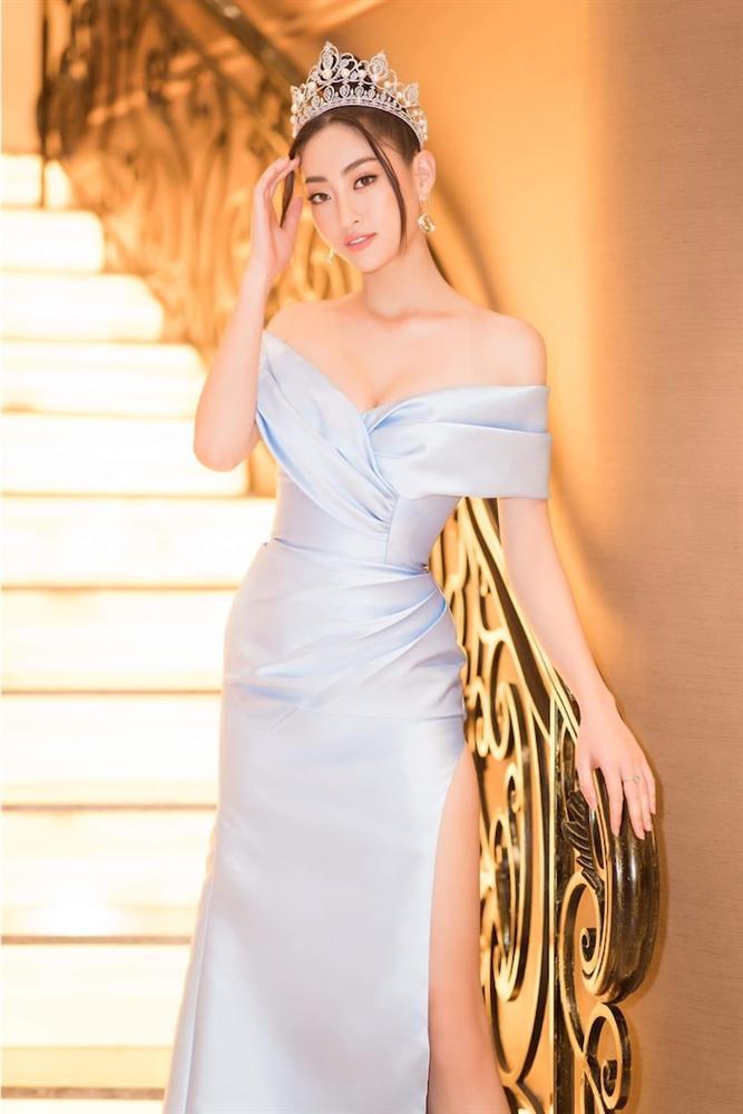 Hoa hậu Lương Thùy Linh diện váy hai dây khoe thềm ngực nõn nà khó cưỡng-4