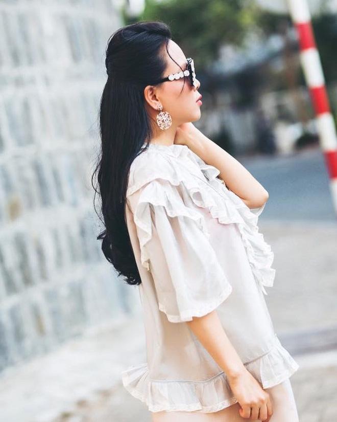 Ngoài 40 vẫn bung lụa diện crop top cho bằng chị bằng em, Phượng Chanel gây choáng vì eo thon bất ngờ-12