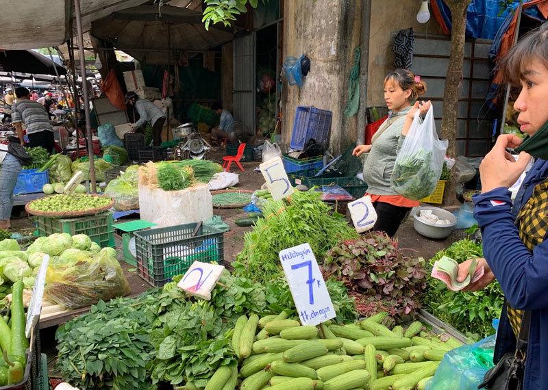Đi chợ đầu mối, cầm 10.000 đồng đủ rau xanh ăn cả ngày cho gia đình-1