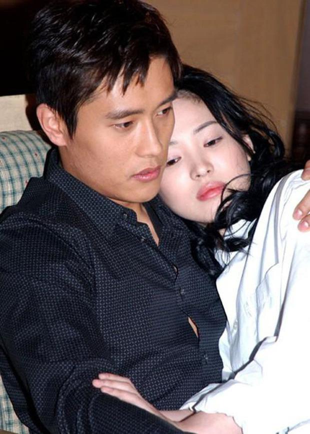 22 tuổi, Song Hye Kyo từng yêu như điên như dại một gã đàn ông đào hoa, chia tay xong đau đớn dằn vặt suy sụp tới mất ăn mất ngủ-4