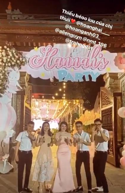 Cô dâu 200 cây vàng ở Nam Định thon gọn ngoạn mục so với lúc bầu, khoe nhan sắc lộng lẫy trong bữa tiệc của con gái đầu lòng-5