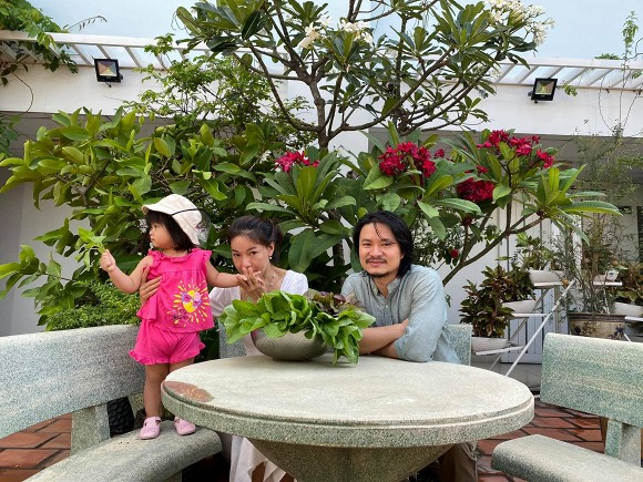 Khám phá vườn rau sạch của vợ chồng đạo diễn của các Hoa hậu Hoàng Nhật Nam-7