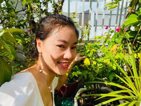 Khám phá vườn rau sạch của vợ chồng đạo diễn của các Hoa hậu Hoàng Nhật Nam-12
