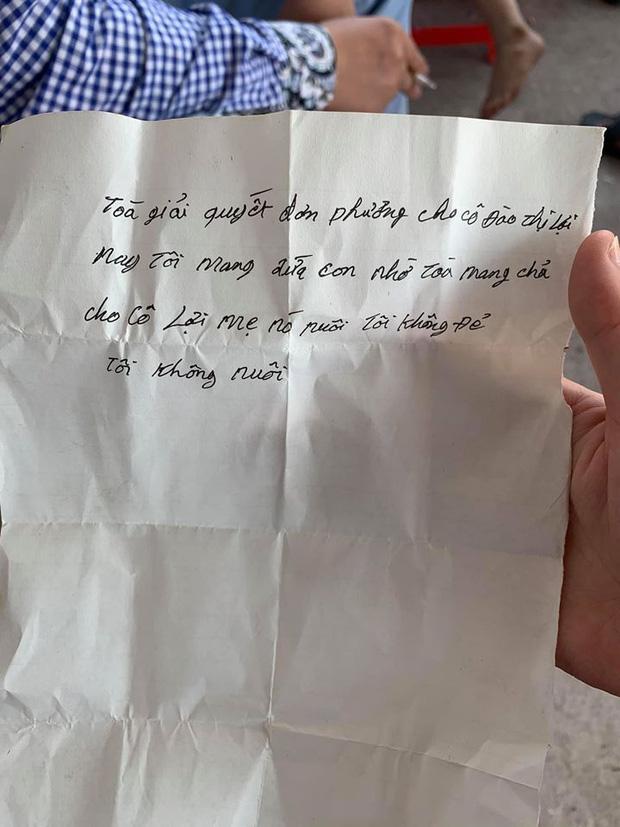 Vụ bé trai bị bố bỏ rơi kèm lời nhắn tôi không đẻ, tôi không nuôi: Cháu bé rất ngoan, không khóc cũng không đòi về ở với bố hay mẹ-2