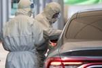 Mở quan tài tắm rửa người chết vì COVID-19, 15 người nhiễm-2