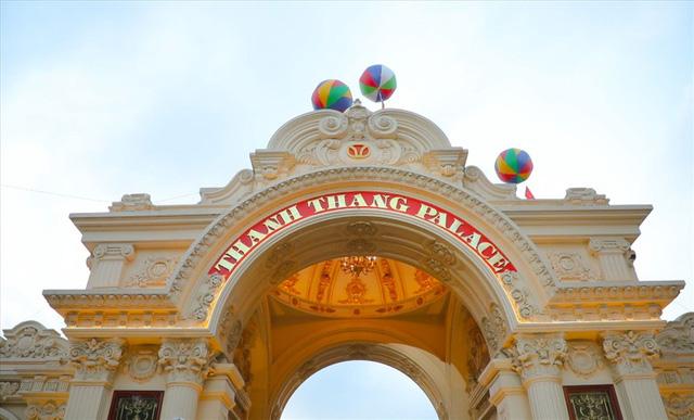 Chiêm ngưỡng lâu đài mạ vàng gây choáng của đại gia Ninh Bình-3