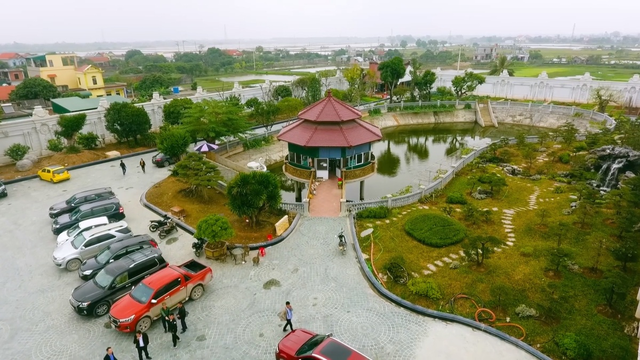 Chiêm ngưỡng lâu đài mạ vàng gây choáng của đại gia Ninh Bình-4