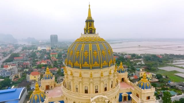 Chiêm ngưỡng lâu đài mạ vàng gây choáng của đại gia Ninh Bình-5