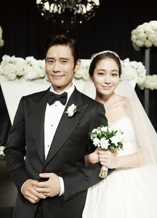 Lee Byung Hun: Tài tử khiến Song Hye Kyo và dàn nữ thần yêu điên dại, đầy bê bối tình dục và cú lột xác nhờ minh tinh tài phiệt-14