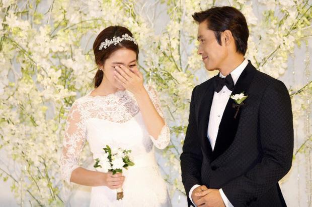 Lee Byung Hun: Tài tử khiến Song Hye Kyo và dàn nữ thần yêu điên dại, đầy bê bối tình dục và cú lột xác nhờ minh tinh tài phiệt-16