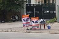 Người dân đổ xô đi mua bảo hiểm xe máy, nơi bán giá siêu rẻ 20.000đ/ năm mọc lên nhan nhản ở lề đường