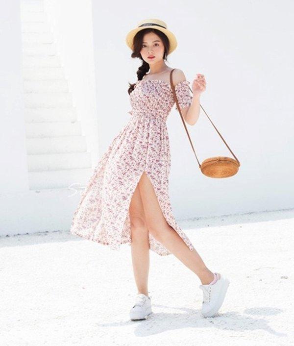 Đang cá tính, Minh Hằng chuyển sang diện váy xẻ điệu đà - item nhất định có mùa hè này-12