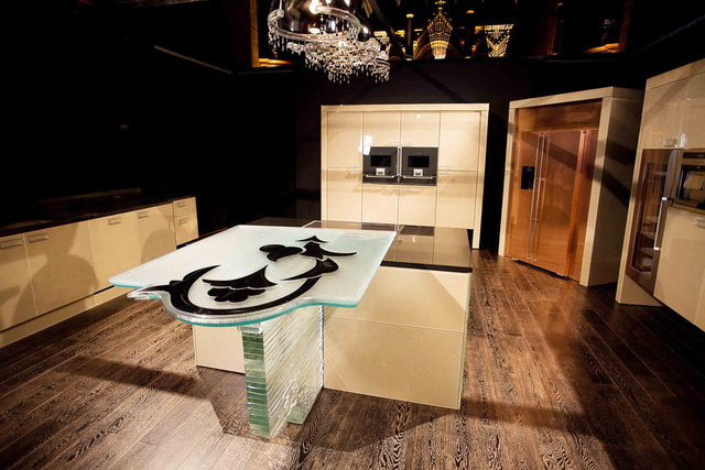 9 căn bếp giá tiền tỷ với nội thất dát vàng xa xỉ-1